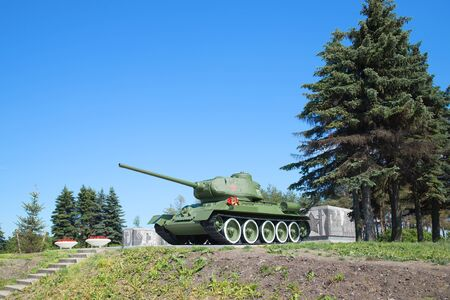 t34: SAINT-PETERSBURG, RUSSIA - JUNE 29, 2015: Tank T-34-85, juny day. Pulkovo Heights