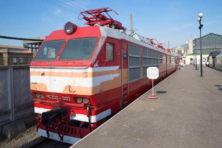 czechoslovak: SAINT-PETERSBURG, RUSSIA - MARCH 30, 2016: Old Czechoslovak passenger electric CHS200 of railway in St. Petersburg