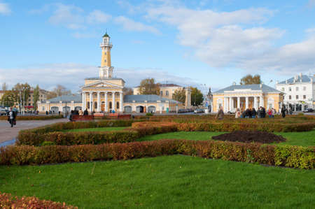 kostroma: KOSTROMA, RUSSIA - OCTOBER 11, 2012: October day on the Susaninskaya square