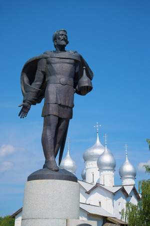 boris: Sculpture of Prince Alexander Nevsky and the dome of Saint Boris and Gleb Church. Veliky Novgorod, Russia