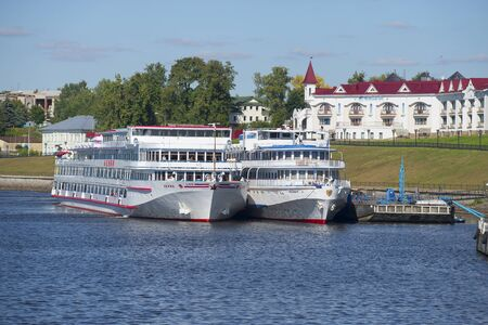 uglich russia: UGLICH, RUSSIA - AUGUST 22, 2015: View on the cruise ships Lenin and President of the city of Uglich Editorial