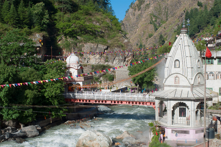 gurudwara: Sikh Gurudwara and a bridge across the river Parvati in the Himalayas. North India