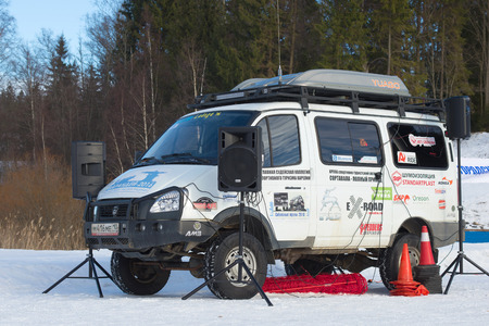 expeditionary: SORTAVALA, RUSSIA - FEBRUARY 18, 2017: Off-road tuner expeditionary car based on the GAZ-22177 Sobol 4x4 in the role of scoring machine. Competitions on sports tourism Sortavala-four-wheel drive - 2017