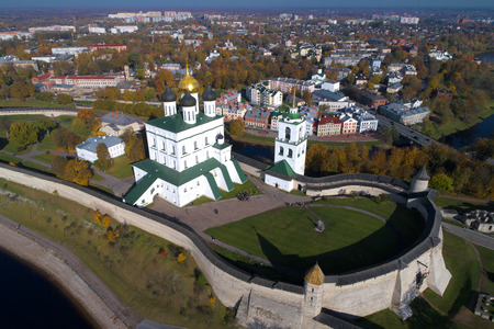 Trinity Cathedral close-up on an October day (aerial survey). Pskov, Russia Banco de Imagens