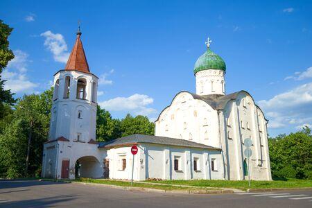 Church of Fedor Stratilat on the Creek closeup on a sunny July day. Veliky Novgorod, Russia 版權商用圖片