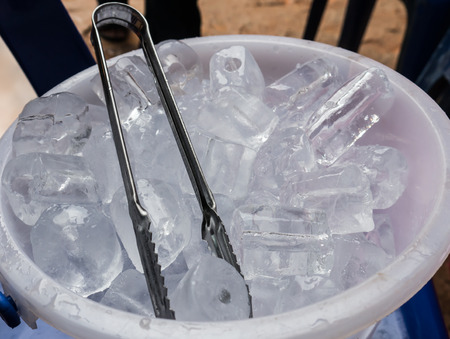ice tongs: Ice bucket with  Ice tongs