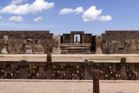 Stone Heads, and Entrance to Kalasaya Compound, Tiwanaku, Bolivia Stock Photo - 17859367