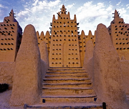 Great Mosque of Djenne u0301 is the largest mud brick building in the world and is considered by many architects to be the greatest achievement of the Sudano-Sahelian architectural style, with definite Islamic influences  Mali Editorial