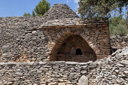 gordes: Dry Stone Huts In Village Des Bories, Near Gordes, Provence, France Stock Photo
