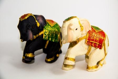 Elephant zwei Farbe schwarz und wei� Dekor auf wei�em Hintergrund - Souvenir