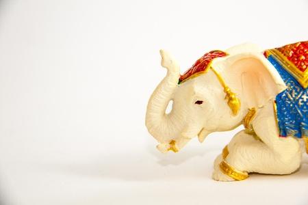 Elephant Grovel Dekor auf wei�em Hintergrund - Souvenir
