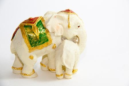 Elefant mit Baby-Elefanten Thailand auf wei�em Hintergrund