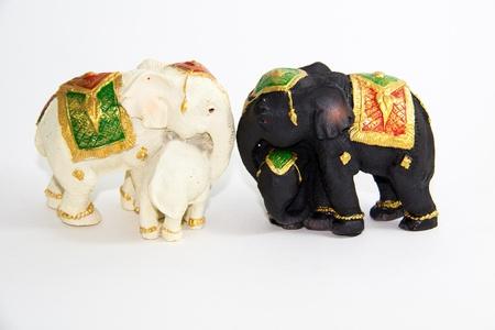 Zwei wei�e und schwarze Farbe Elephant Baby Thailand - Thai Souvenir Lizenzfreie Bilder