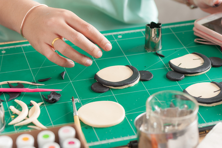 sugarcraft: The process of making fondant cake, fondant sugar mod action
