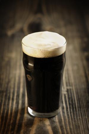 cerveza negra: Cerveza Stout irlandesa