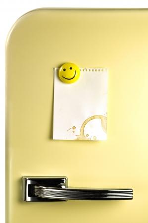 Ellili buzdolabı kapı Boş not, mesaj için copyspace