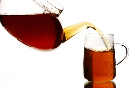 黒茶、白で隔離をティーポットやティーカップ ガラス 写真素材