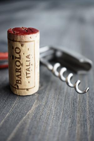 Barolo Italia Cork, seçmeli odak