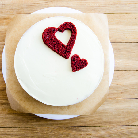 birthday decoration: red velvet cake with hearts