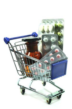 doses: verschillende genees middelen in een winkel wagen