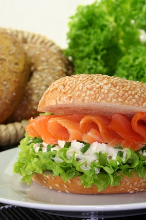 bagel: Bagel with smoked salmon, cream cheese and chives