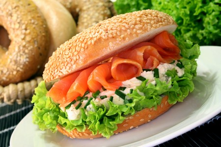 chives: Bagel with smoked salmon, cream cheese and chives