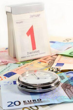 billets euros: Montre de poche, de calendrier et de nombreux billets en euros