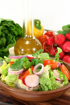 mixed salad with lettuce, tomato and radish