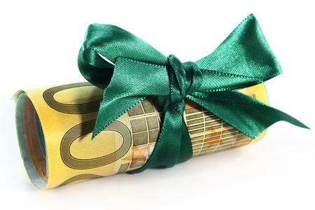 billets euros: Lamin�s billets en euro avec un ruban vert