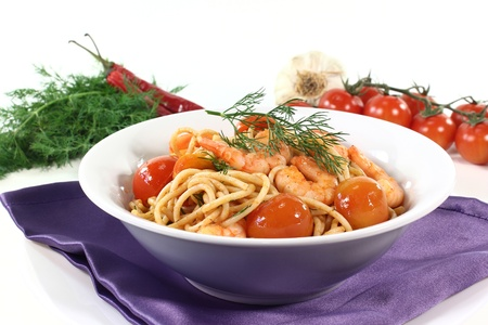 spaghetti with shrimps, tomatoes and dill Stock Photo - 11996177