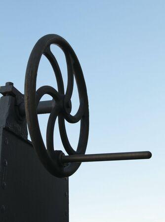 crank: antiguo mecanismo de metal con manivela