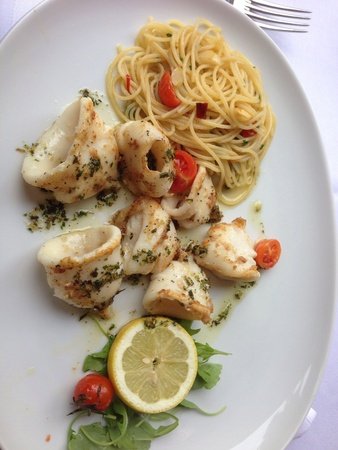 olio: Grilled squid with a spaghetti a olio