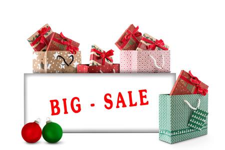 Weihnachts-Shopping und Weihnachtskugeln mit Karte Standard-Bild - 66310104