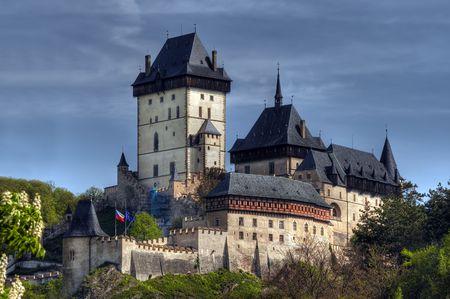 gothic castle: Karl?tejn - gran castillo g�tico fundada 1348 por Charles IV