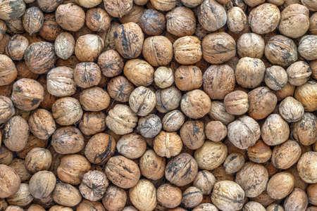 shuck: heap walnuts