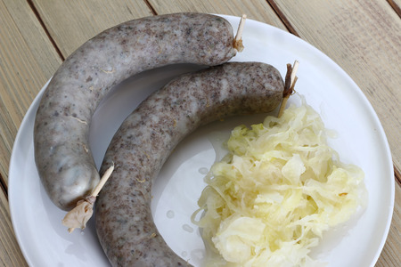 manjar: Sausage with sauerkraut - favorite hog killing delicacy