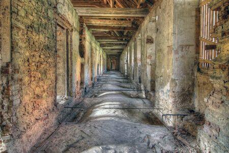 Vieilles ruines de l'église abandonnée de l'Annonciation de la Vierge Marie