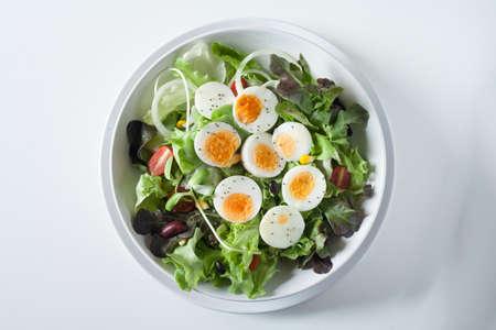 plato del buen comer: Ensalada, comida sana Foto de archivo