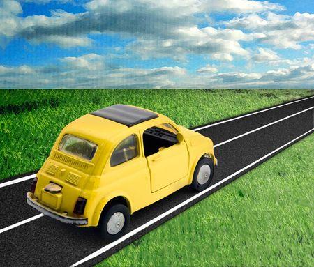 replica: a little model of an old italian car