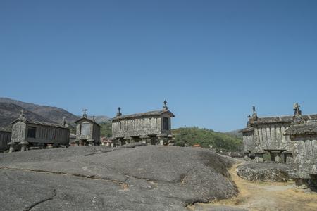 Serra do Geres, granaries