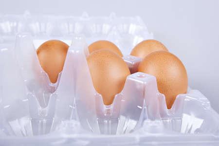 boulangerie: Brown eggs in plastic box