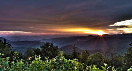ridgeline: Sunset view from the Blue Ridge Parkway, NC Mountains Stock Photo