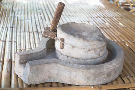 molinillo: Molinillo de harina de piedra
