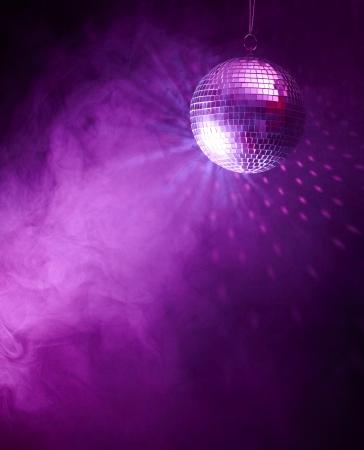 fiestas discoteca: Bola de discoteca Foto de archivo