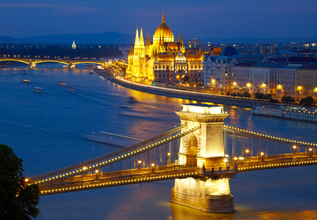 river bank: Budapest, Hungary. Chain Bridge and the Parliament Stock Photo