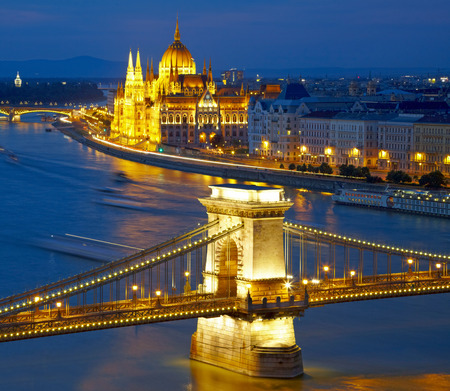 budapest: Budapest, Hungary. Chain Bridge and the Parliament Stock Photo
