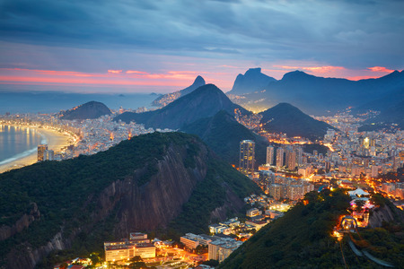 Nacht uitzicht op de Janeiro, Brazilië Stockfoto