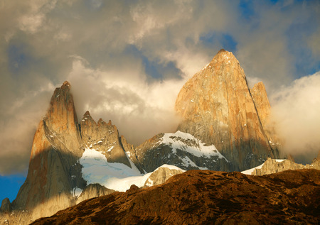 speedway park: Fitz Roy mountain in sunrise lights. Los Glaciares National Park, Patagonia, Argentina Stock Photo