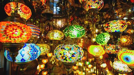 이스탄불 터키의 유명한 그랜드 바자르 샵 스톡 콘텐츠 - 91134047