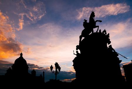サンクトペテルブルク市の歴史的中心部、ロシアの美しい夕日 写真素材